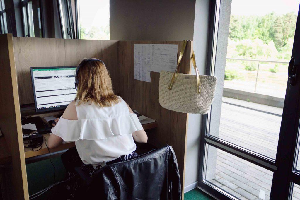 Рабочая обстановка в call-центре